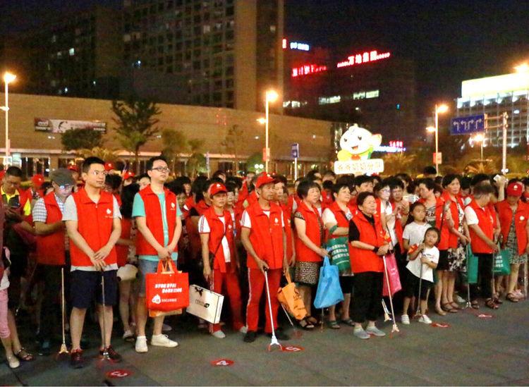 """端午节,莲都1000多名小荷志愿者助力""""无烟头""""城市创建"""